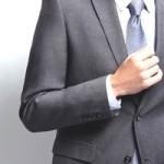 スーツ・ジャケットの袖丈の長さの基準って?短い長いそれぞれのイメージ。
